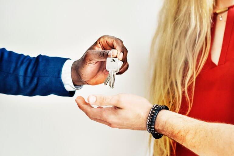 как правильно продавать квартиры риэлтору